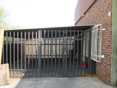 CLOSE YOUR CARPORT UP WITH PALISADE FENCING