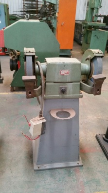 Wondrous Bench Grinder Used For Sale Contact Bruce 08358731 Junk Mail Spiritservingveterans Wood Chair Design Ideas Spiritservingveteransorg