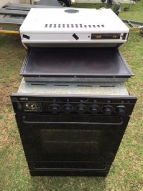 Defy 600 Glass top stove