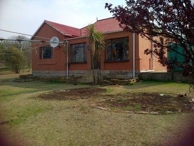 House in Warden on the N3 to Durban