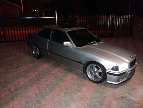 BMW E36 325I 2DOOR COUPE   Junk Mail