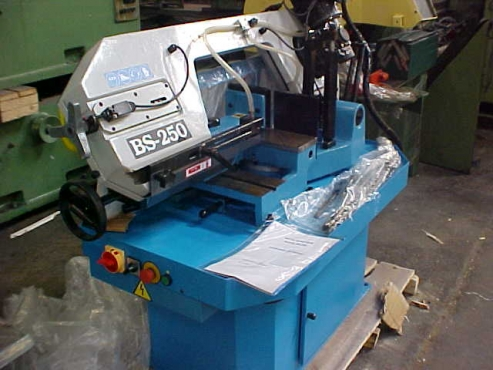 Guillotines,Beding Brakes,Plate Rollers,Lathes,Iron Workers-Croppers,Gear Head Drills,Welding Rotato