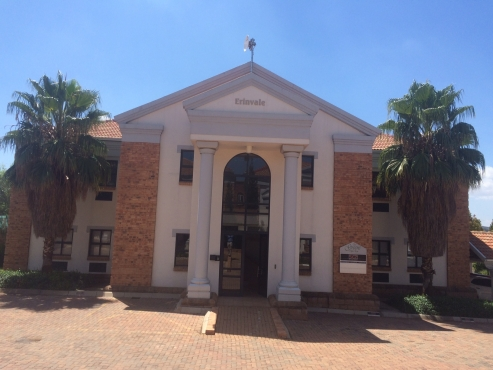 """UPMARKET OFFICES TO LET AT """"THE GREENS"""" OFFICE PARK, HIGHVELD!"""