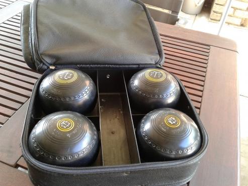 Henselite Bowls