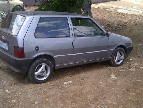 Fiat UNO Mia for sale by owner R28000 neg