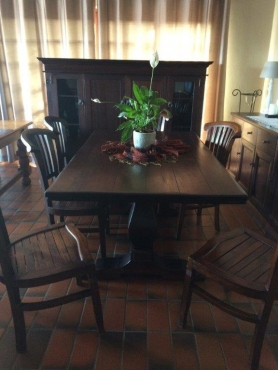 DINING ROOM SUITE SOLID DININGROOM TABLE 6 X WOOD CHAIRS