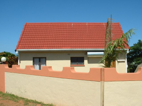 HILL TOP SELF-CATERING HOLIDAY HOME IN MTWALUME-LONG BEACH-SOUTH COAST KZN-