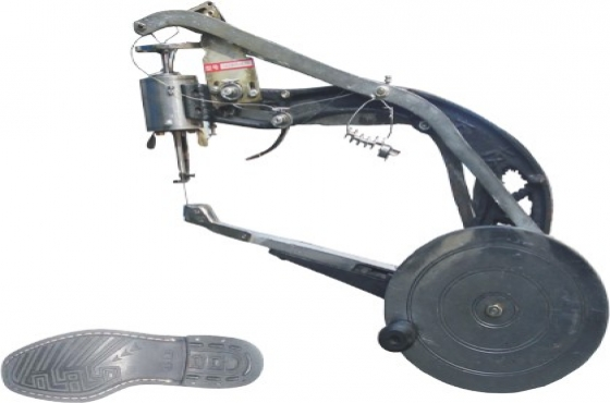 Industrial sewing machines + shoe patcher