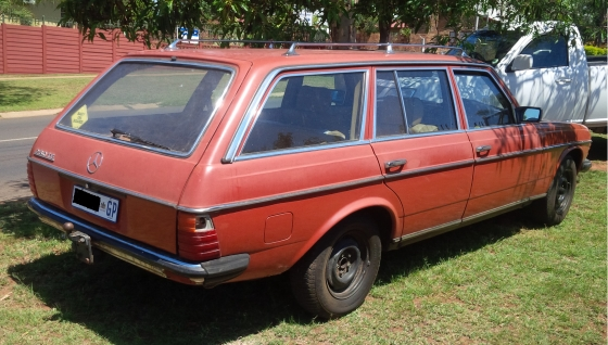 Mercedes Benz 230 Te W123 Stationwagon Junk Mail
