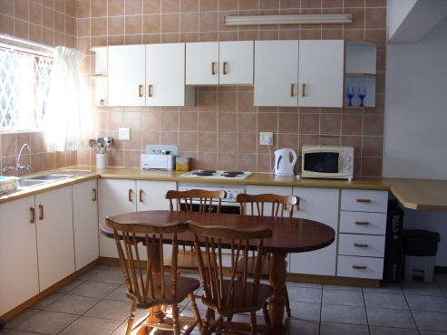 SHELLY BEACH 1 BEDROOM TASTEFULLY FURNISHED FLAT R4750 PM ST MICHAELS-ON-SEA IMMEDIATE OCCUPATION