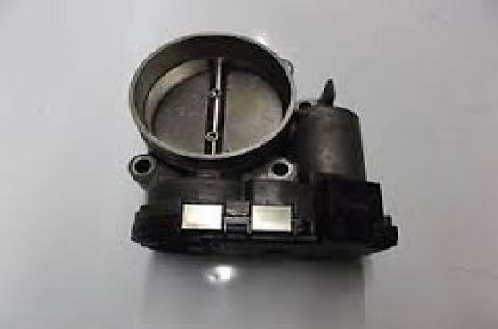 Alfa Romeo 2.5 v6 Throttle body  for sale  R1000  contact 0764278509  whatsapp 0764278509