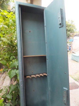 Extra Tall 6 Rifle Safe-price reduced to clear