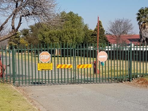 Sout Africa biggest manufacturer of palisade fencing .