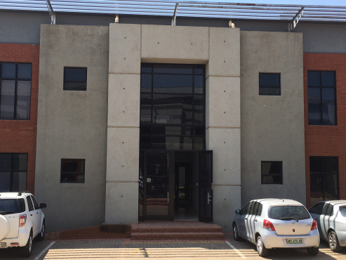 FIRST FLOOR OFFICES TO LET IN ROUTE 21 CORPORATE PARK, CENTURION!