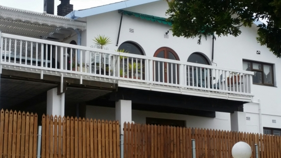 Holiday home in the centre of Mossel Bay with spectacular views of the Bay.