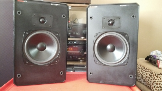 Boston Acoustics HD8 Bookshelf Speakers For Sale