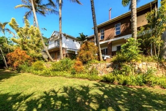 Lovely 5 Bedroom,4 Bathroom Double Storey House-On a Large Stand-for sale in Port Edward