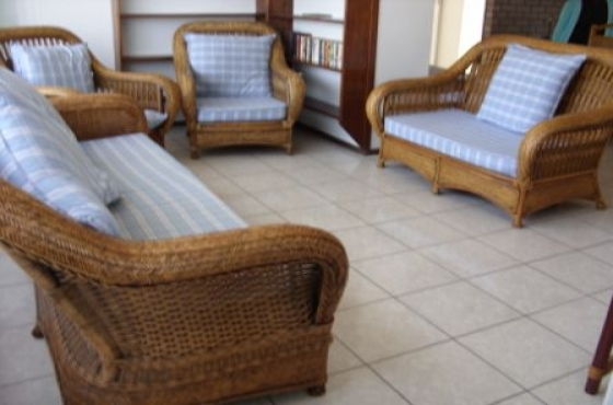 UVONGO 3 BEDROOM 2 BATHROOM FLAT SLEEPS 6 ADULTS 2 CHILDREN ST MICHAELS-ON-SEA FROM R3600 PER WEEK