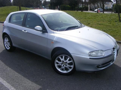 ALFA ROMEO 147 fenders, bonnet, headlights for sale  Contact 0764278509  or 0764950624  Whatsapp 07