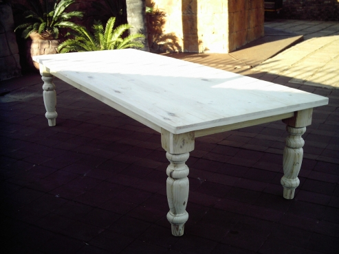 12 Seater Pine Farmstyle Table (3000x1100)