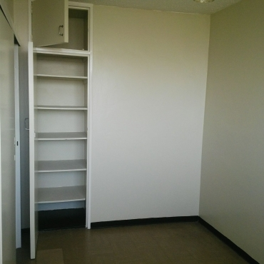 2 big spacious bedrooms available for sharing. 2018-01-01