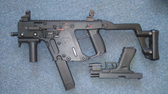 Airsoft Kriss Vector Gbb and WE Glock G18c Gbb(full Auto) RIS laser