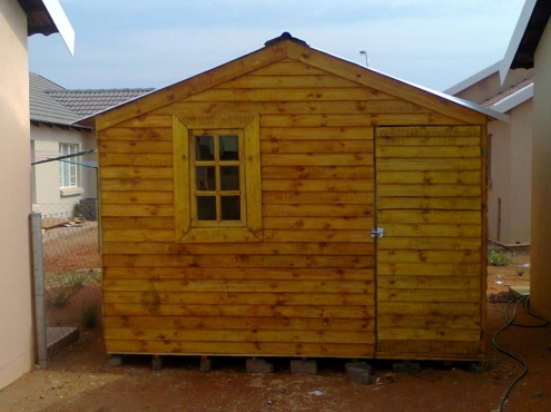 wendyhouses,dollhouses and toolsheds for sale
