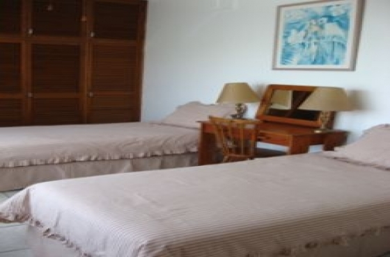 FULLY FURNISHED SHELLY BEACH SEA VIEW 3 BEDROOM 2 BATHROOM SPACIOUS FLAT UVONGO R6750 PM