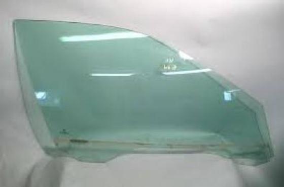 Alfa Romeo 156 Door glasses   for sale   contact 0764278509  whatsapp 0764278509