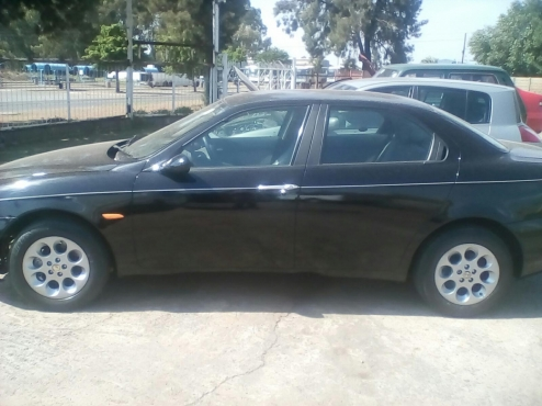Alfa Romeo 156 2.0 Complete body  for sale  No engine , gearbox and front suspension    Body is bla