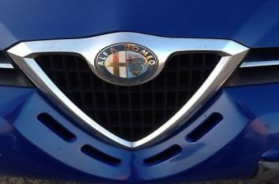 Alfa Romeo 156 Bonnet  for sale  Available in Black and Blue   contact 0764278509  whatsapp 0764278