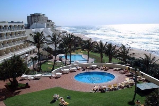 Week 49  Umhlanga Sands  from 8  December - 15 December 2019.  REDUCED TO UNBEATABLE PRICE -  R 11 700