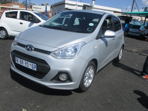 Hyundai grand i10 1.25 motion,    5-Doors,    Factory A/c,     C/d Player,     Central Locking,