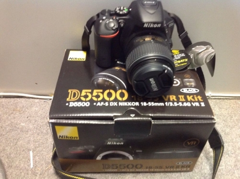 Nikon D5500 with 18-55mm Lens For Sale