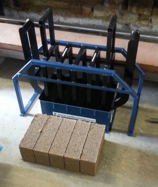 WMB Manual Maxi Brick Hand Press
