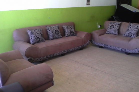 !!!Special!!!3-2-1 California Lounge Suite Now @ R6499.00