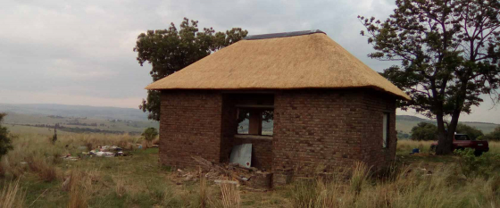 Affordable Thatching, thatch Lapa, Lapa with Braai, grassdake see our prices
