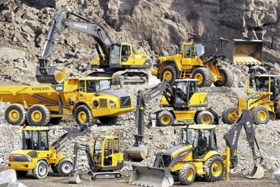 Excavator 777 dump truck surface training 0719850775 boilermaking course