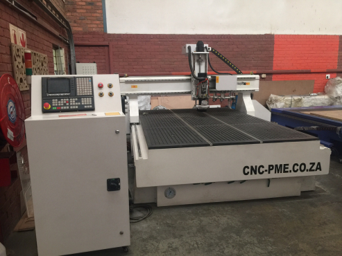 ATC cnc router machine 1930 with 8 tools which can change automatically