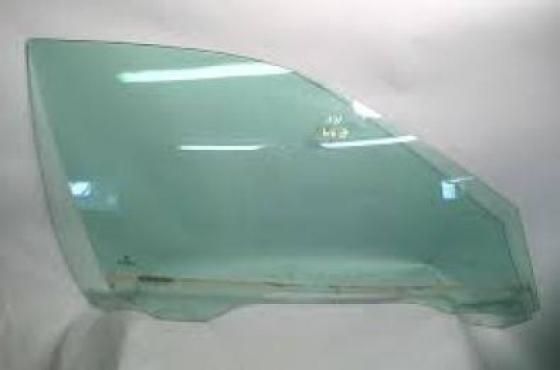 Alfa Romeo 156 Door glasses for sale  contact 076427850 9  whatsapp 076427850 9