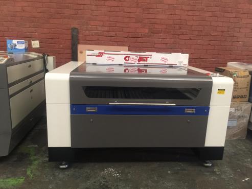 Laser Cutting Machine 1390 with 100W laser tube