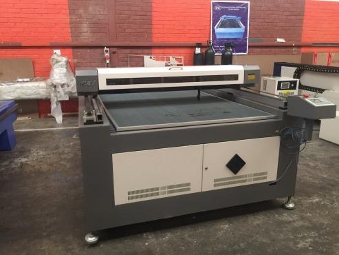 laser cutting machine 1300*2500mm with 100w laser tube