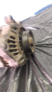 Chrysler neon alternator  for sale contact 0764278509  what's app 0764278509