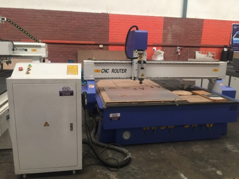 Woodworking Machine 2000*3000mm with 6kw air cooled spindle