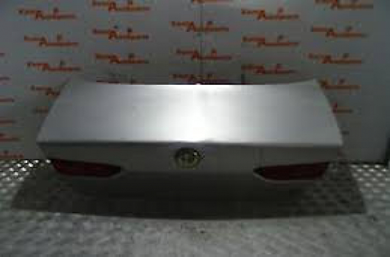Alfa Romeo 156 boot lid  for sale   contact 0764278509    whats app 0764278509
