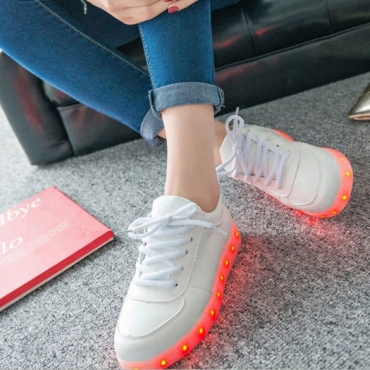 LED LIGHT UP YEEZIES @ R400