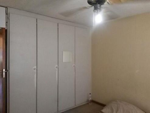 Two Bedroom Flat for sale in Muckleneuk - BKE 1115