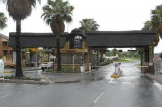 2 Bedroom Garden Townhouse to Rent in Mooikloof Ridge