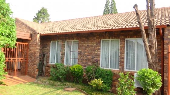 2 Bedroom Unit in Karenpark – R765 000