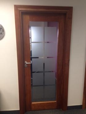 DOOR doors installat
